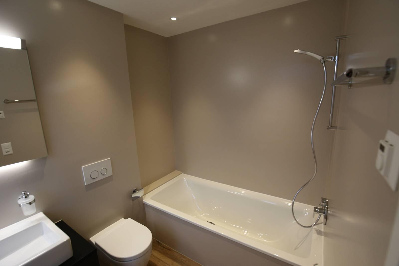 fugenlose wand und bodenbel ge. Black Bedroom Furniture Sets. Home Design Ideas